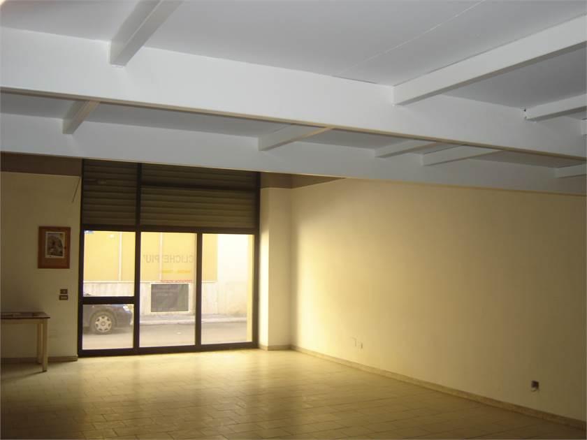 Ufficio Per Negozio : Spinelli immobiliare spazio ideale per showroom negozio o ufficio!